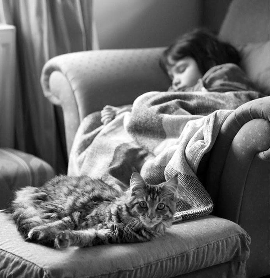 iris grace WITH CAT (thula)
