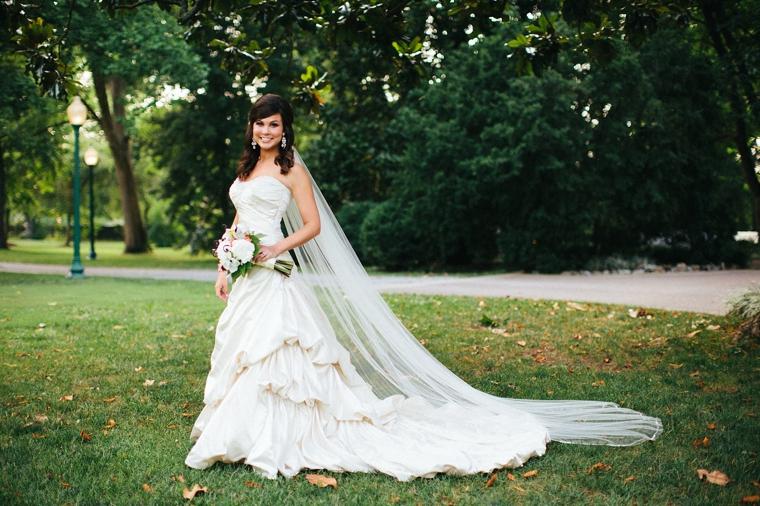 Nashville_Wedding_Photographers__656.jpg