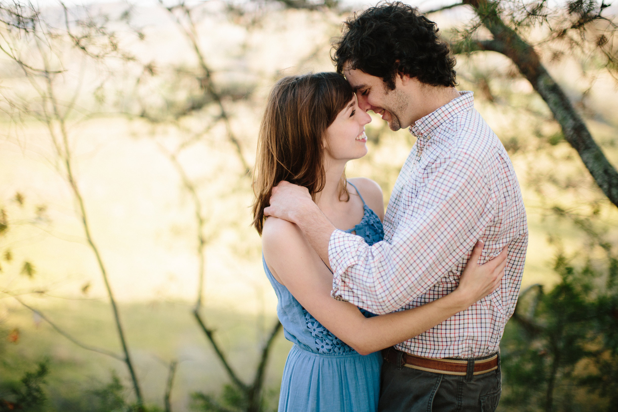 tampa wedding photographer outdoor engagement session