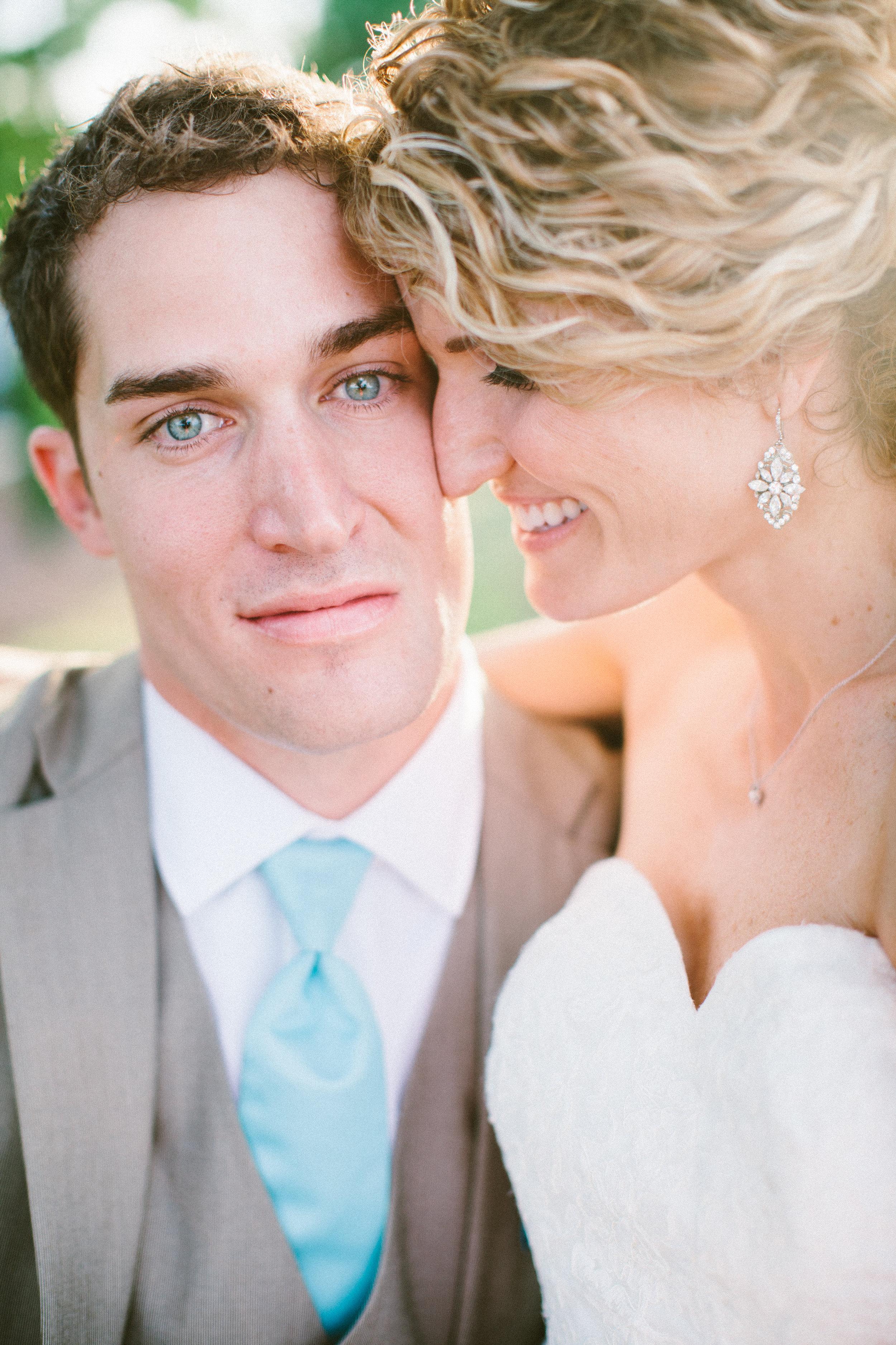 posing ideas for wedding photographers