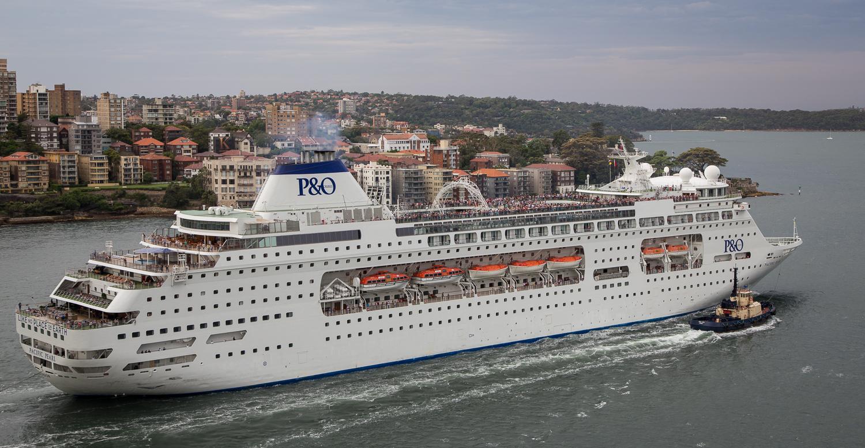 Cruise ship leaving Sydney Harbor
