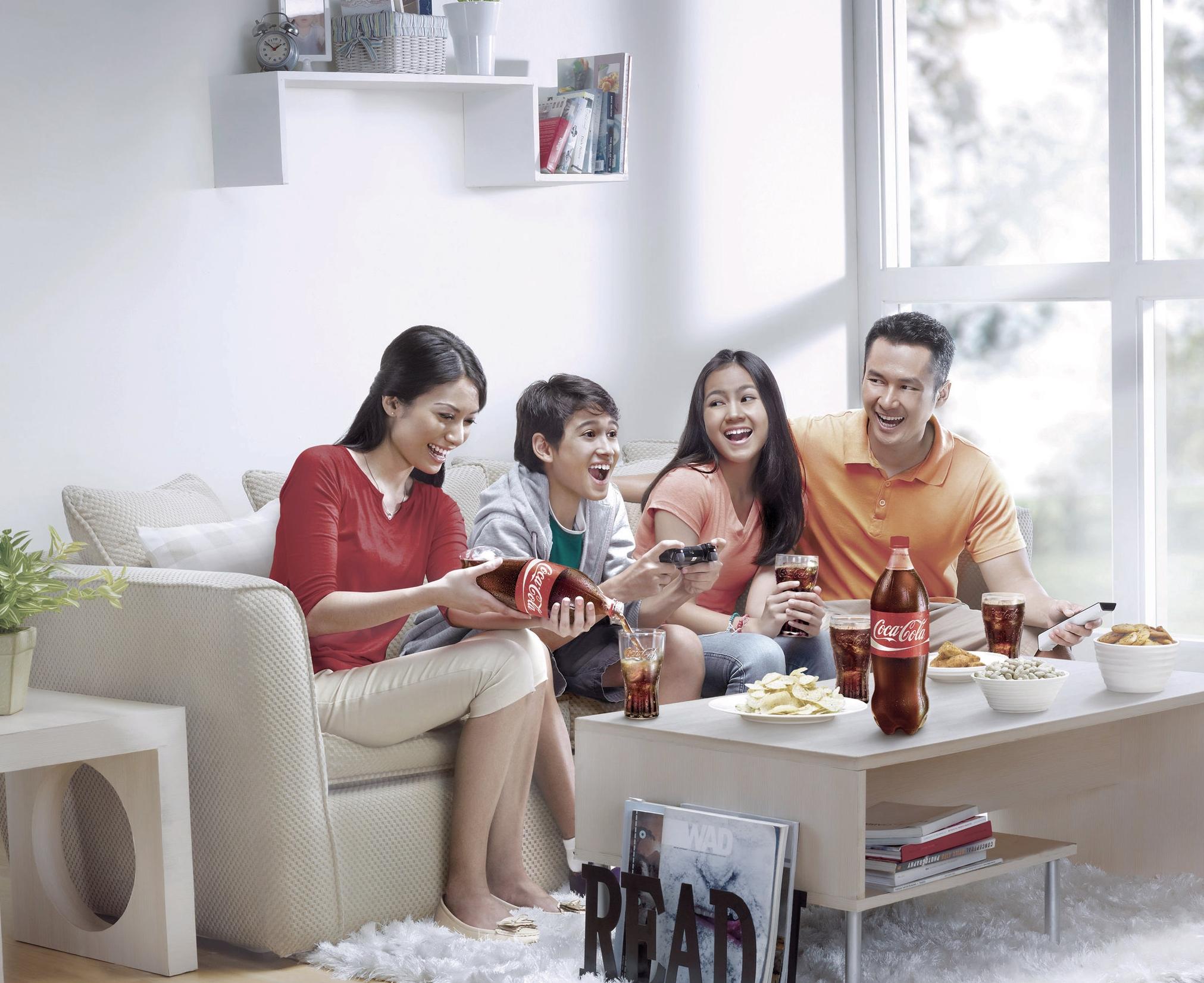COCACOLA FAMILY 2.jpg
