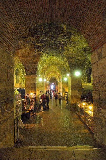Underground Market_Split.jpg