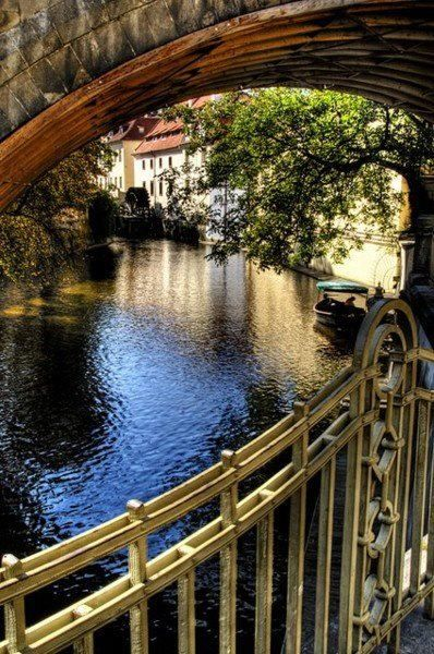 Bucharest_3.jpg