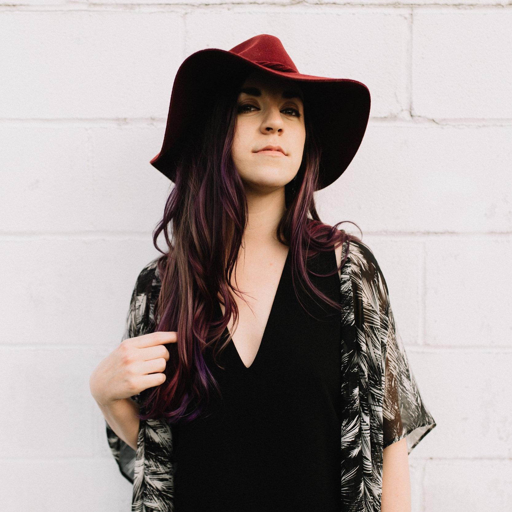 Genevieve Nalls | The Classy Hippie | Intentional Living + Abundance Mindset Coach