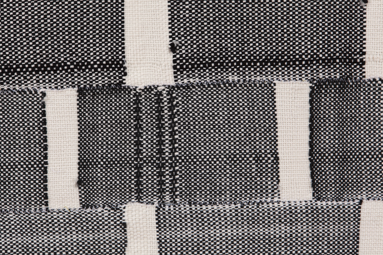 Weaving_Blk_3.jpg