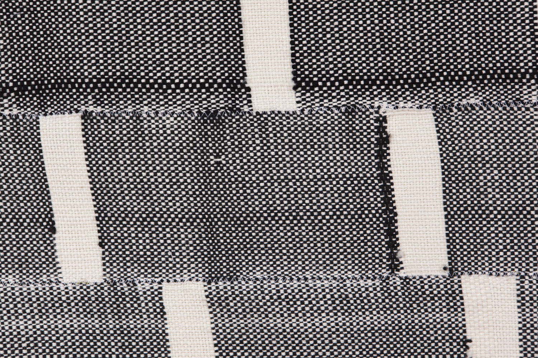 Weaving_Blk_6.jpg