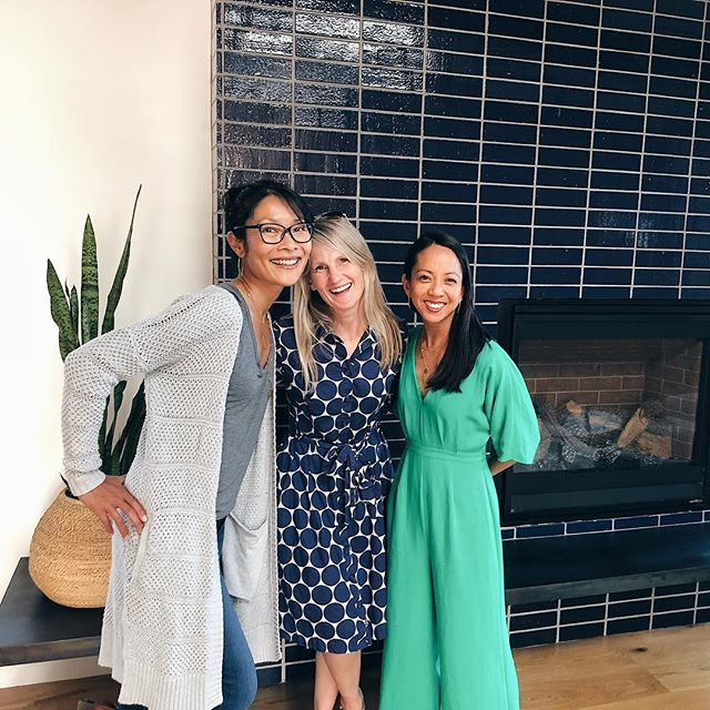 #TBT to when Erica @variegatedgreen and I went to visit Karen's @destinationeichler 's mid-century inspired remodel. I love seeing my friends' projects because they are so ridiculously talented. . The way both Erica and Karen design (@variegatedgreen designs outdoor spaces, @destinationeichler designs indoor spaces) makes my homebody heart go 💓. . Can we talk about that @heathceramics blue tile fireplace 💙? And how cute these ladies' outfits are? Let's not talk about my bathrobe sweater. You can take the body outta the home, but you can't take the homebody out of her house. I cropped out my bunny slippers.