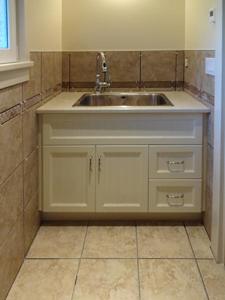 tile in mudroom bath.png