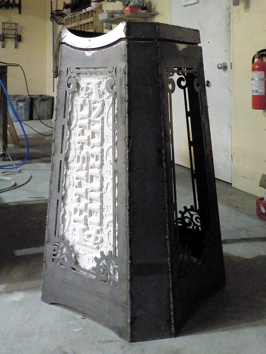 Sign Invitational pedestal