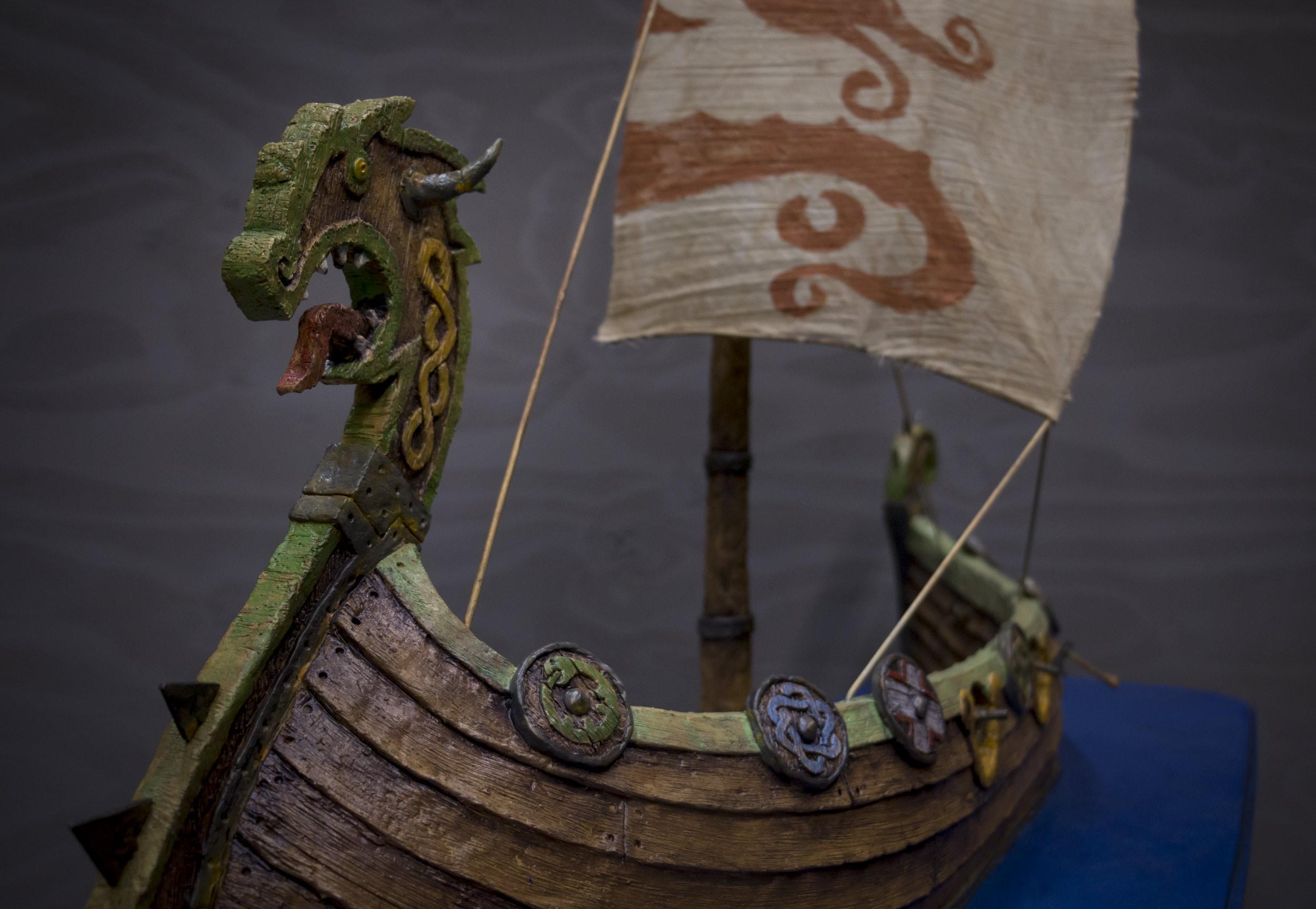 viking-ship-model-8.jpg