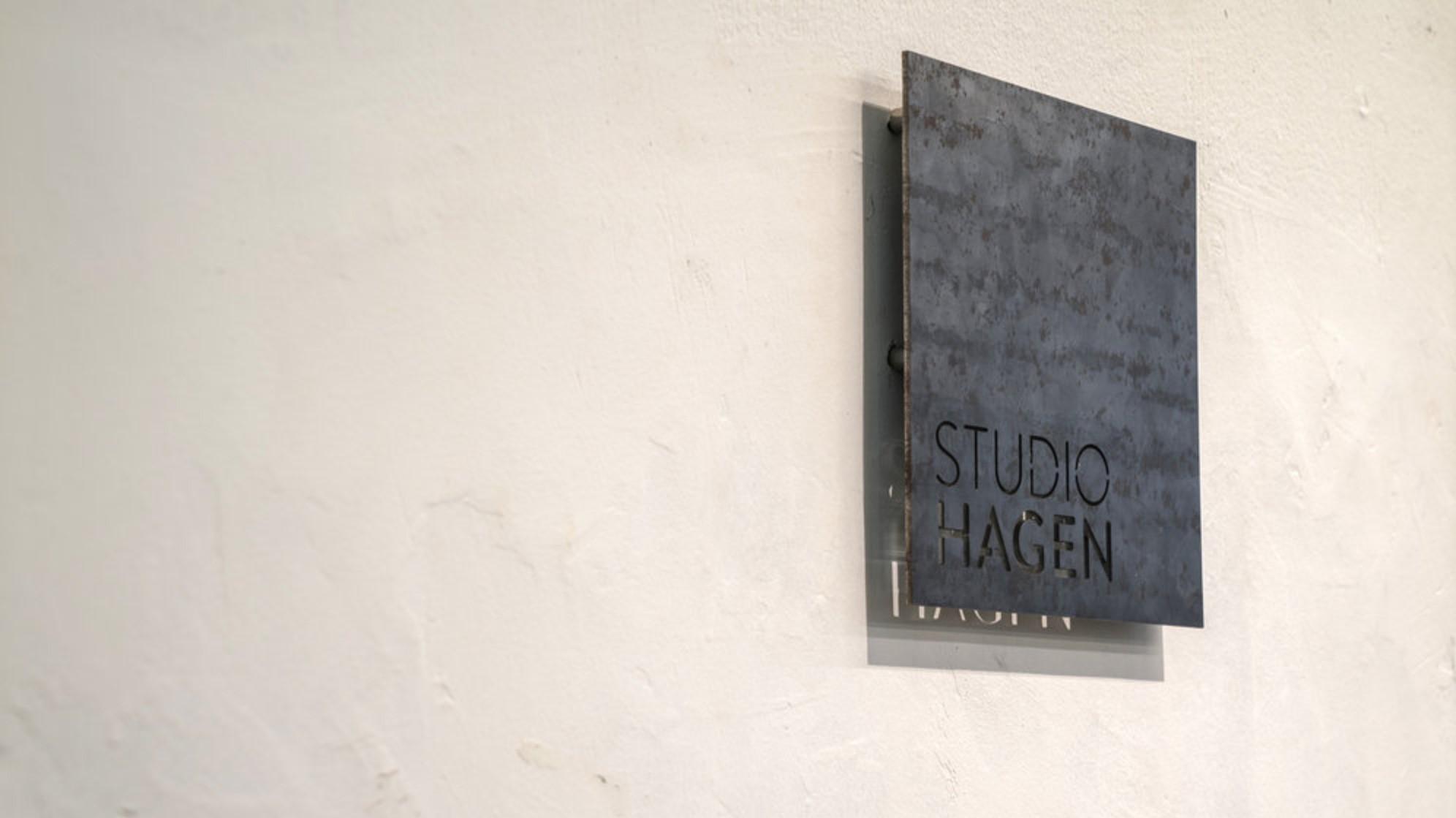 Screenshot_2019-05-08 Studio Hagen - Bezalel's Craftsmen.jpg
