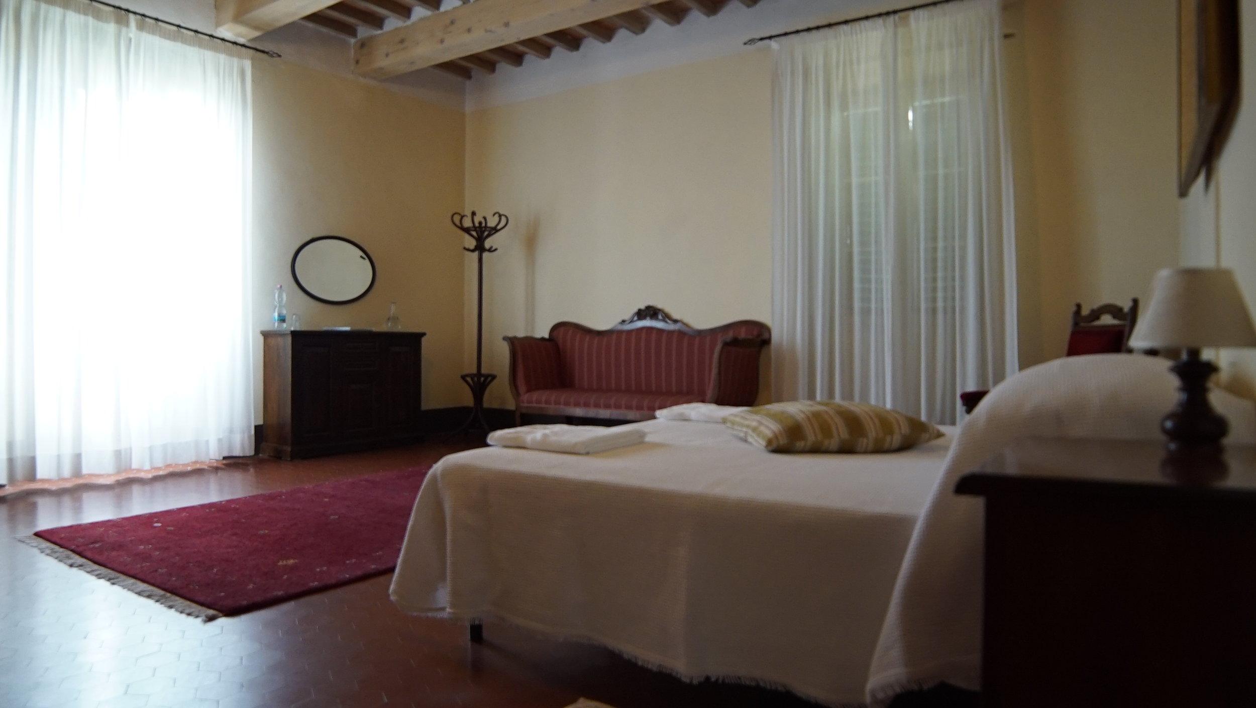 bedroom Palazzo Regina x.JPG