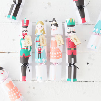 normal_christmas-nutcracker-crackers-with-musical-whistles.jpg