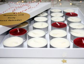 normal_christmas-scented-candle-advent-calendar.jpg