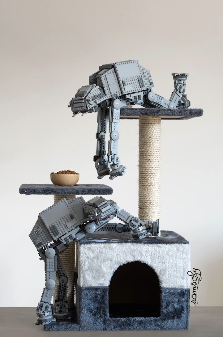 Vivid Content Marketing lego AT-AT