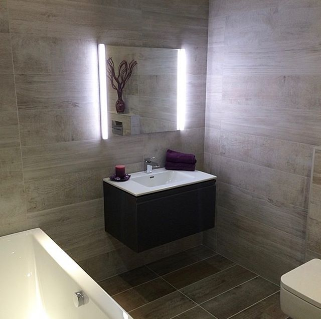 One of our finished bathrooms. Wood effect porcelain tiles supplied by the @bocchettaceramica tile show room, fitting by us @johnbocchetta_tiling . . . . . . . #tiles #tiling #design #living #woodeffect #home #homedecor #house #houses #luxuryhomes #luxuryliving #style #instagram #bathroomdesign #roominspiration #room #roomdecor #renovation #decor #trending #trend #bathroom #bathroomdecor #construction #bathroomtiles #architect #architect #interiordesign #interior #pinterest #property