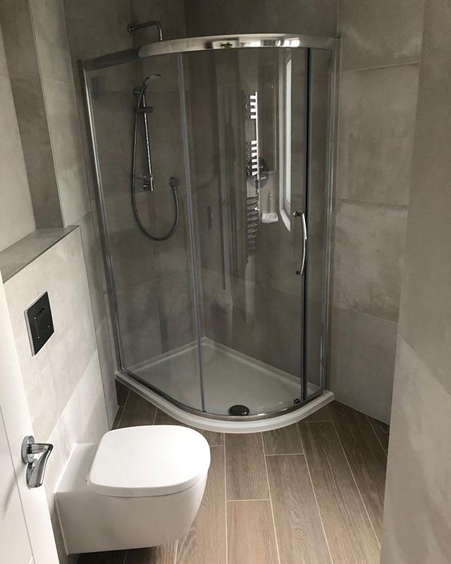 Another finished Bathroom - Block of flats. Porcelain tiles supplied by @bocchettaceramica . . . . . . . . . . . . . #tiles #tile #tiling #tilingwork #design #style #living #luxuryliving #flats #apartment #luxury #luxuryhomes #luxuryhouses #luxuryhouse #bathroom #bathroomdesign #bathroomtiles #bathroomdecor #woodeffect #mymapeiproject #decor #dorset #bathroomtiles #instagram #renovation #newbuild #tileinstallation #interiors #interiordesign #architect #architecture
