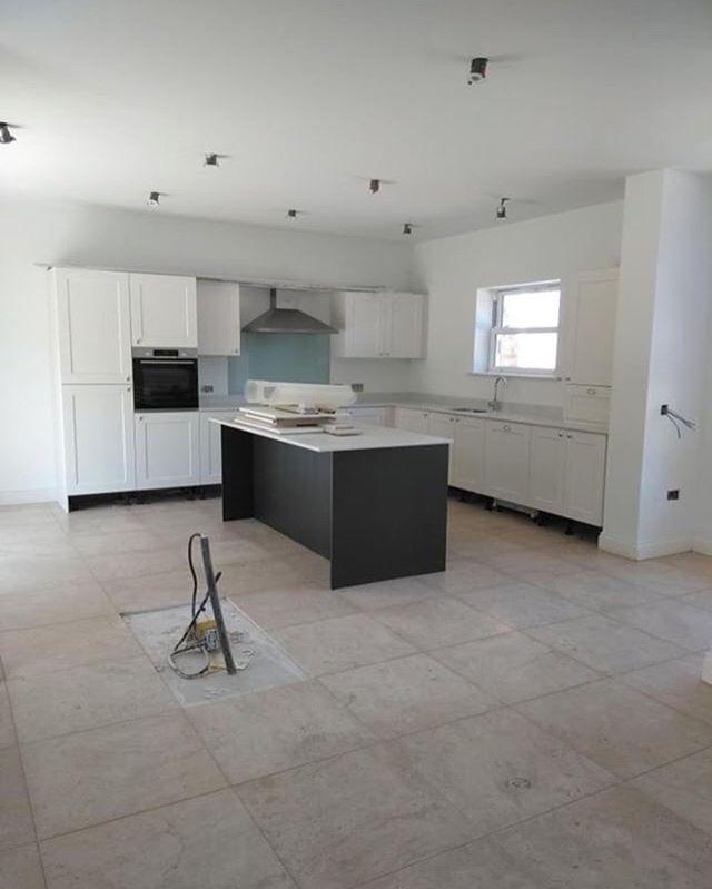 Limestone flooring. . . . . . . . . . . . . . . #design #living #room #tilingwork #luxuryliving #luxury #luxuryhomes #tiles #tiling #tile #tiledesign #tileinstallation #tiled #homes #home #house #style #reno #renovation #construction #new #property #limestone #kitchendesign #feature #interiordesign #interiors #interior #interiordecorating #interior_and_living