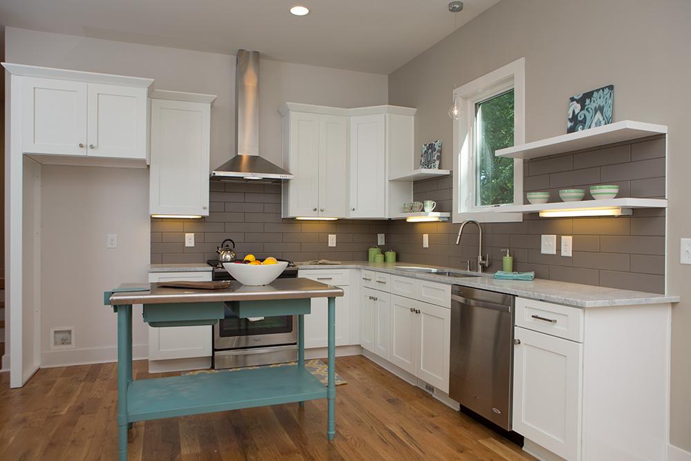 1503_kitchen_1.jpg