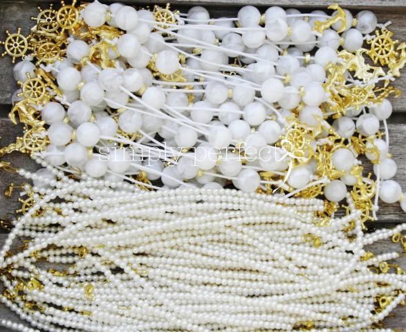 Σαν κλεμμένος θυσαυρός...  Μπεγλεράκια & βραχιολάκια για την όμορφη Κρήτη.   Μπεγλέρι: ΚΩΔ MP001   Βραχιόλι: ΚΩΔ B32