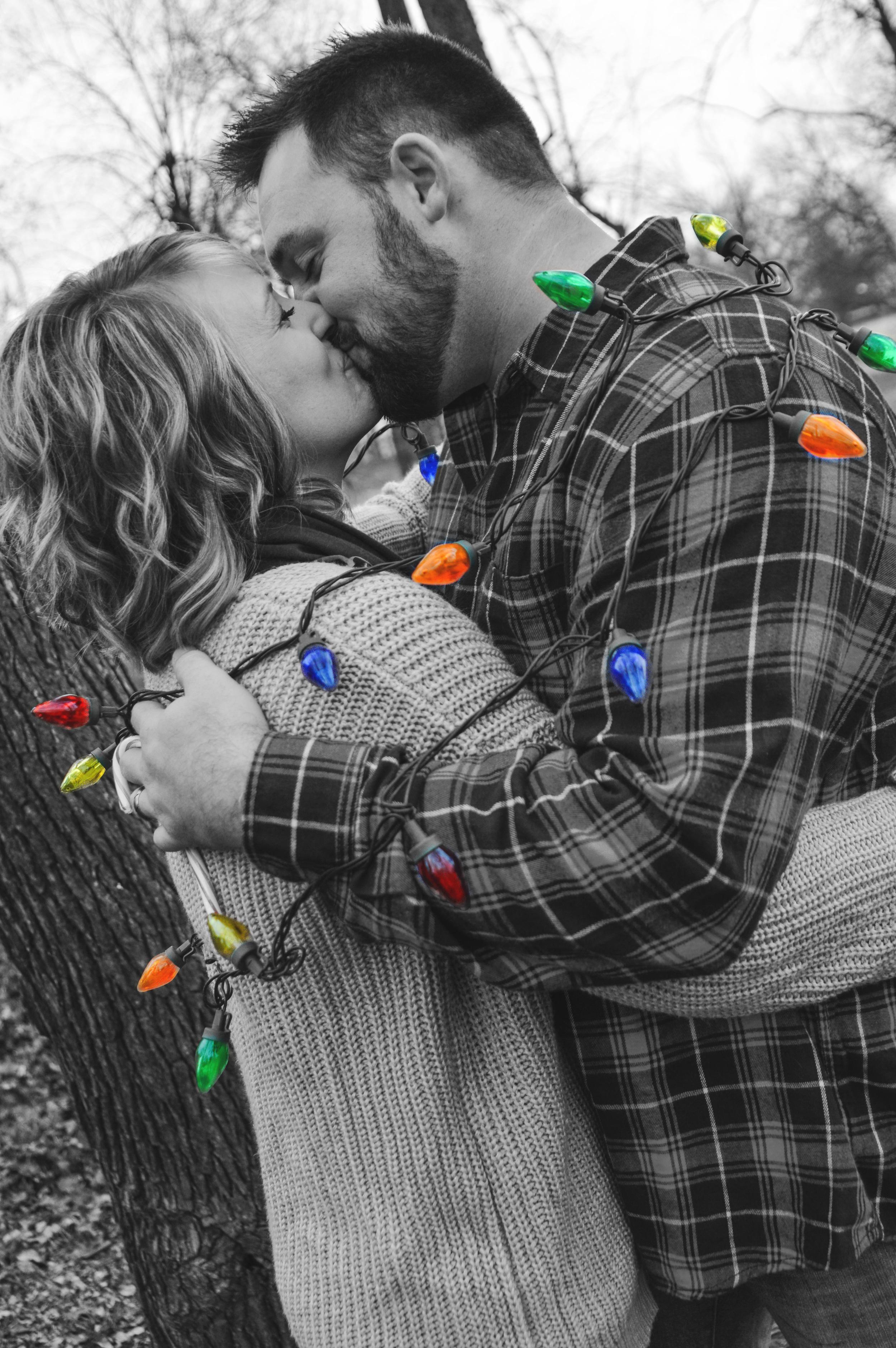 christmaslights-allwrappedup-familyphotos-joplinmissouri-photosbyariel