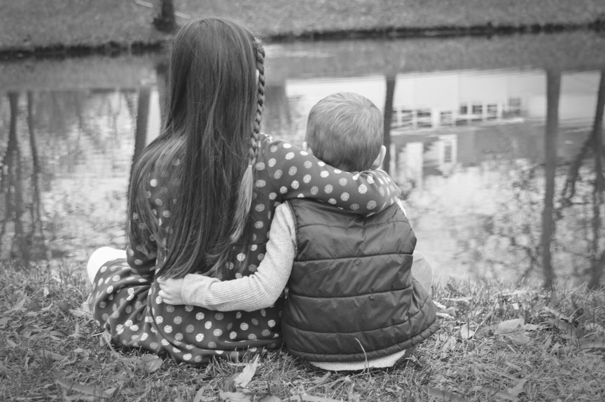siblingphotography-brotherandsister-joplinmissouri-photosbyariel