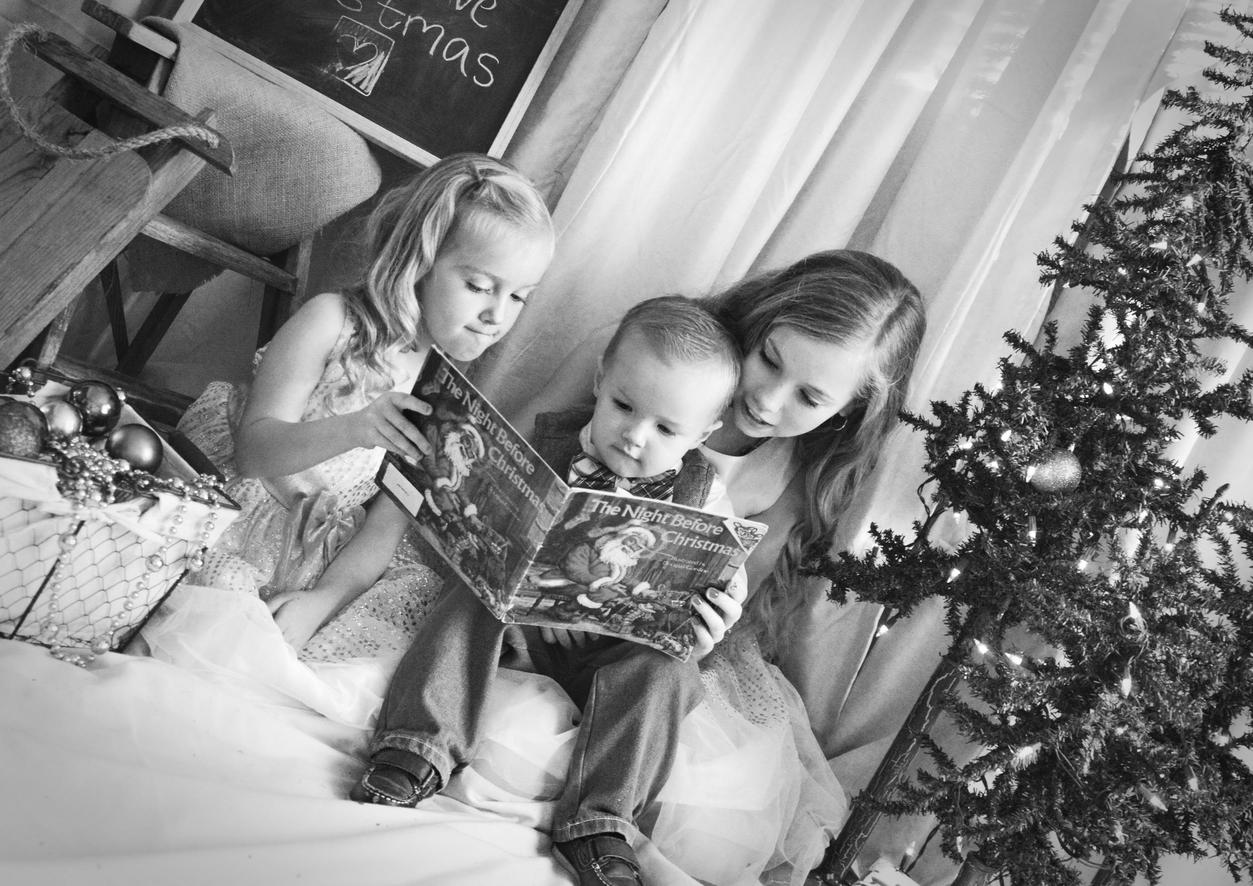 thenightbeforechristmas-siblingportraits-siblingphotography-childphotography-joplinmissouri-photosbyariel