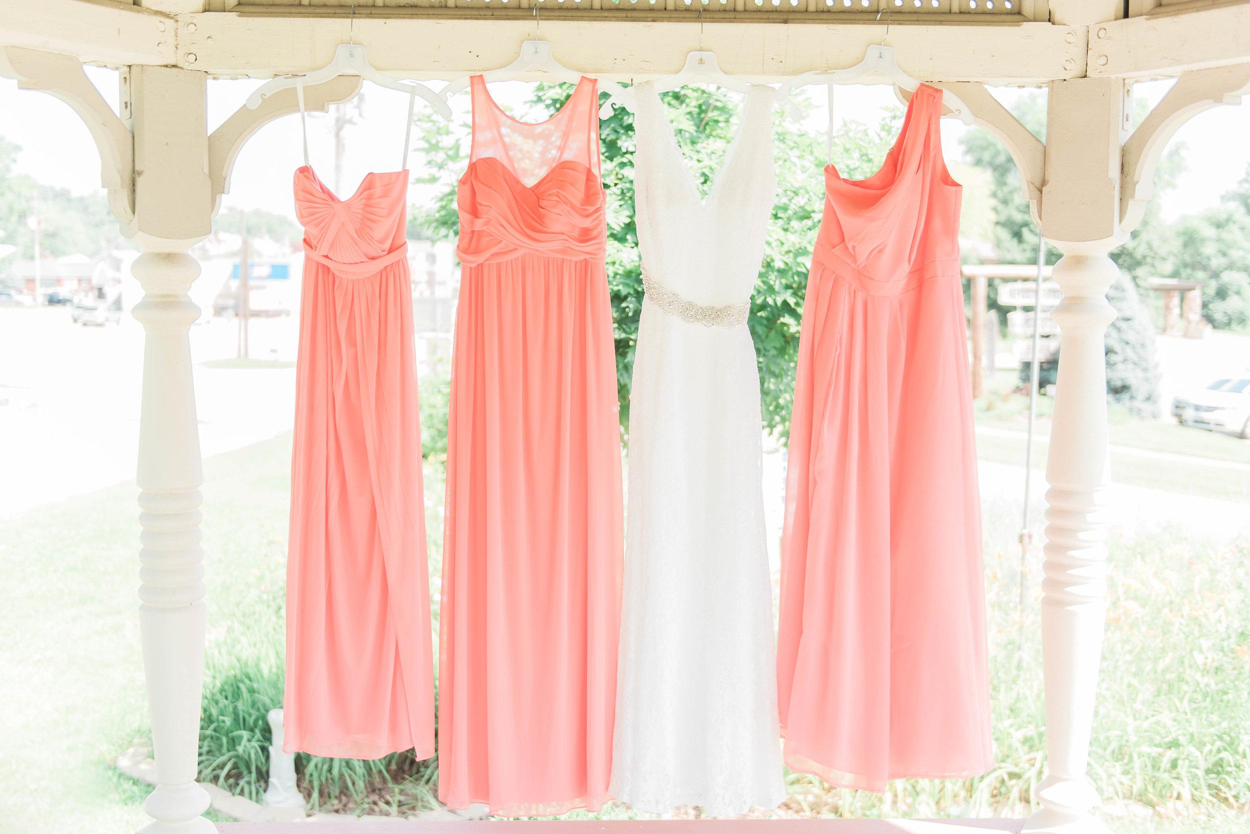 bride and bridesmaids dress
