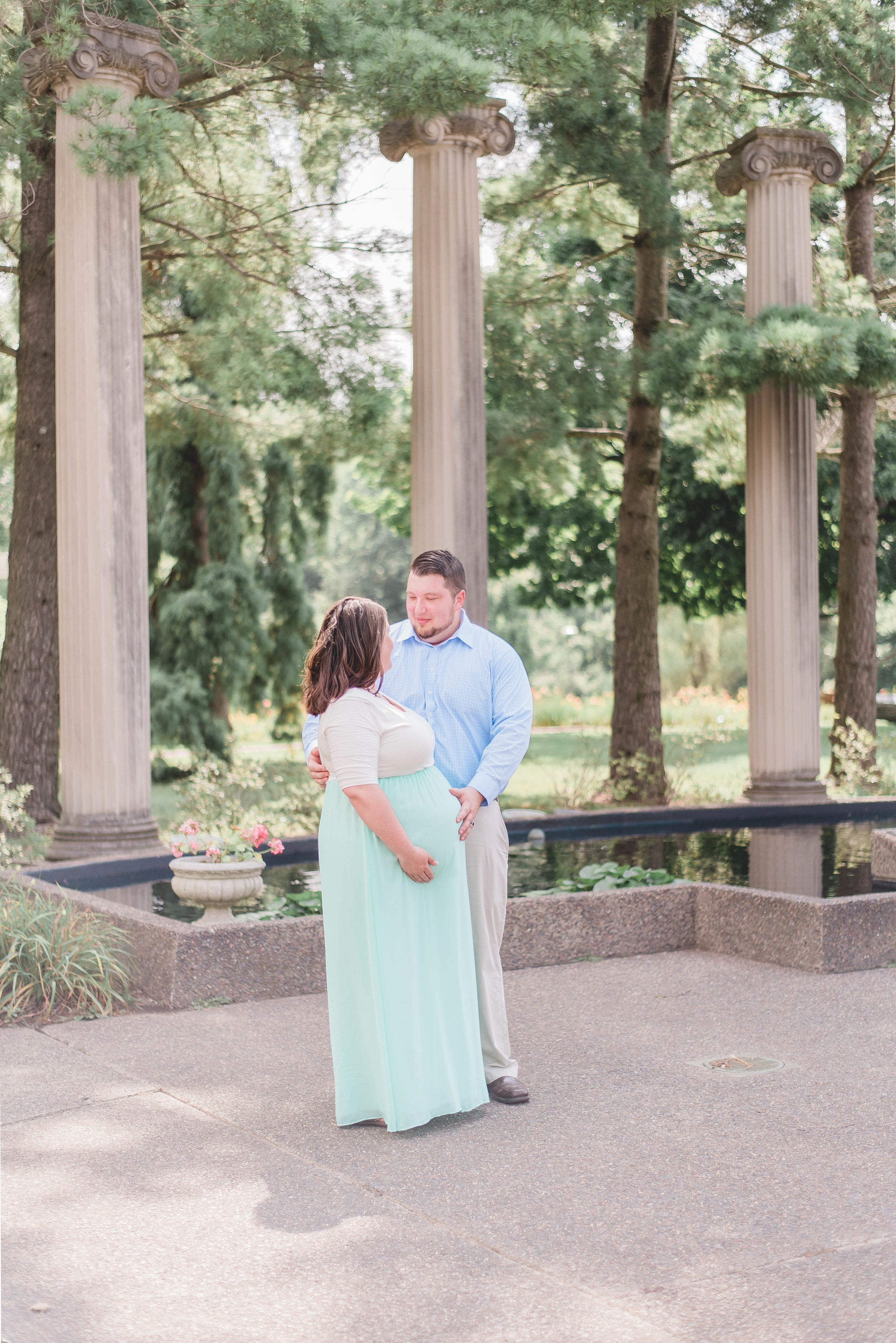 outdoor maternity session location