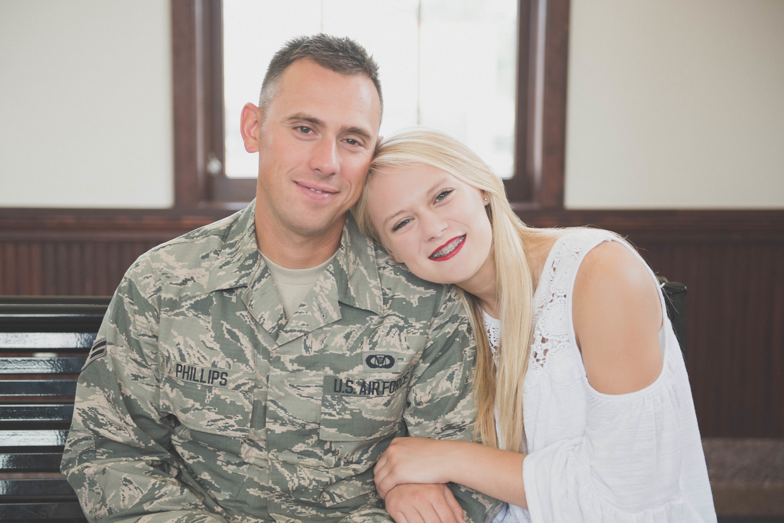 dad and daughter military image