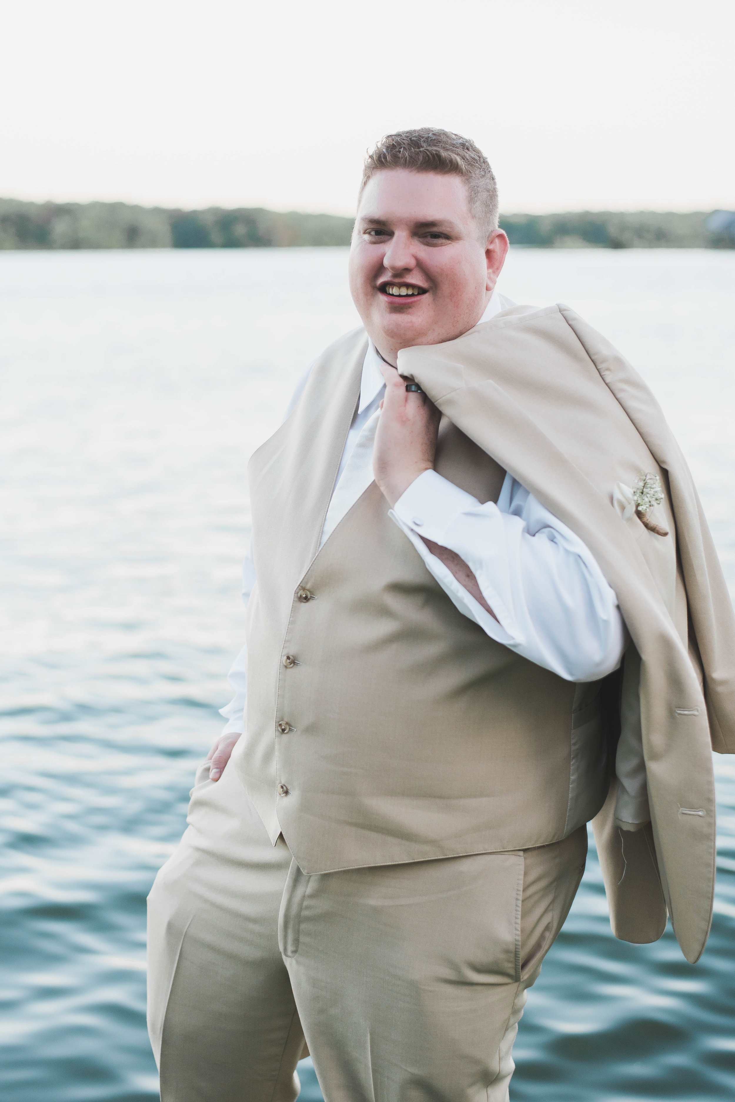 groom no jacket
