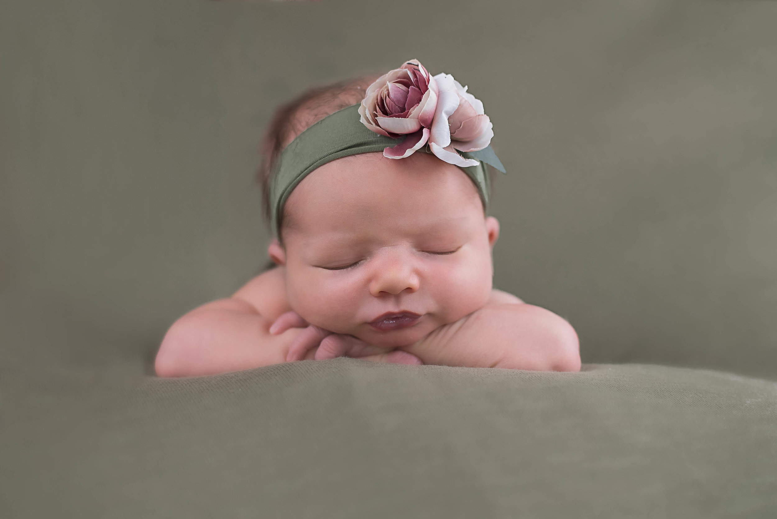 Central Illinois Newborn Photographer, Illinois newborn photographer, newborn photographer, newborn photography, why is motherhood hard, why motherhood is so hard, photos by Ariel, 6 month photos, newborn photos, Lincoln Illinois photographer, Bloomington Illinois photographer, normal Illinois photographer, Decatur Illinois photographer, peoria Illinois photographer, Springfield Illinois photographer