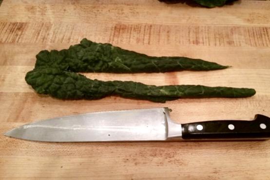 roll each kale leaf into the shape of a cigar - sunny side kale goodness - www.newtritionny.com