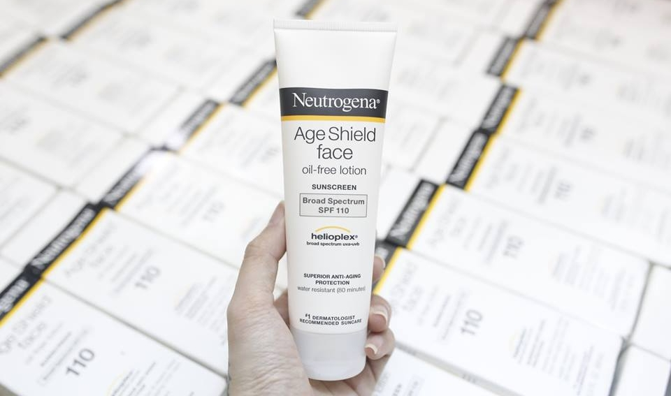 Neutrogena Age Shield Face