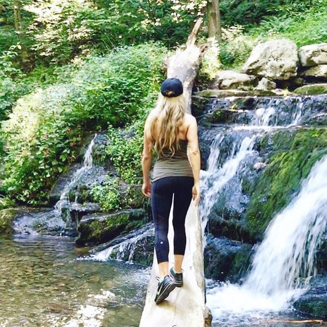 Don't go chasing waterfalls... said who? . On the contrary, chase whatever your little heart desires... especially if it happens to be outdoors. . You see, spending time in forests, hiking in mountains, and just being outside has tremendous health benefits, including: . 👉Improving short-term memory 👉Decreasing stress 👉Reducing inflammation 👉Eliminating mental fatigue 👉Fighting depression & anxiety 👉Protecting vision 👉Lowering blood pressure 👉Improving focus 👉Enhancing creativity 👉Boosting the immune system 👉Lowering overall risk of early death, and 👉Even preventing cancer . Tap on the link in bio & then this image to read full article. . 🤗Sharing is caring!  Have any friends who might need to know this? Tag them on this post so we can all #knowbetterdobetter . . . . #naturehike #naturereset #getoutside #natureisgoodforyou #dontgochasinwaterfalls #catchitifyoucan #getfit #dowhatyouwant #mttammany #hikingadventures #inshape #outdoorsygirl #getinshape #lululemoneverything #foreveryoung #fitover40 #fitover50 #fitmom #fitgirl #bikinibody #naturerules #hikeinthewoods #getoutthere #waterfallhike #newtritionny #newtritionnewyou #newyou #natureresetsthesoul https://www.businessinsider.com/why-spending-more-time-outside-is-healthy-2017-7#forests-also-might-boost-your-immune-system-11