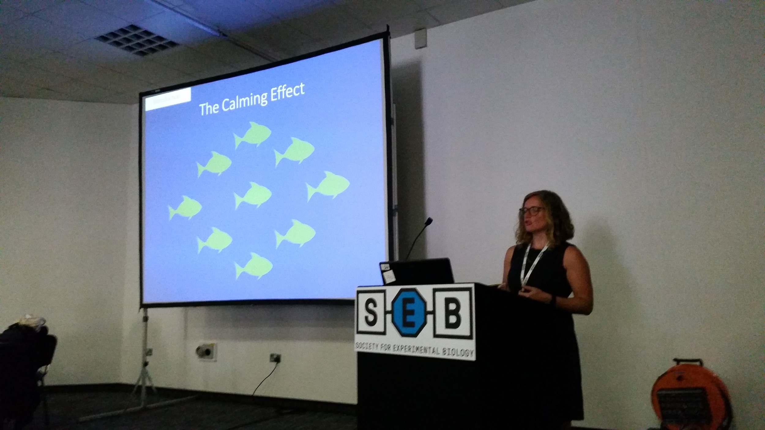 Killen lab collaborator and Ph.D. student  Lauren Nadler (James Cooke University, Australia) giving a talk on her work looking at how exposure to shoal-mates can reduce metabolic rates in tropical damselfish. Congrats also to Lauren for winning this year's Young Scientist Award!!