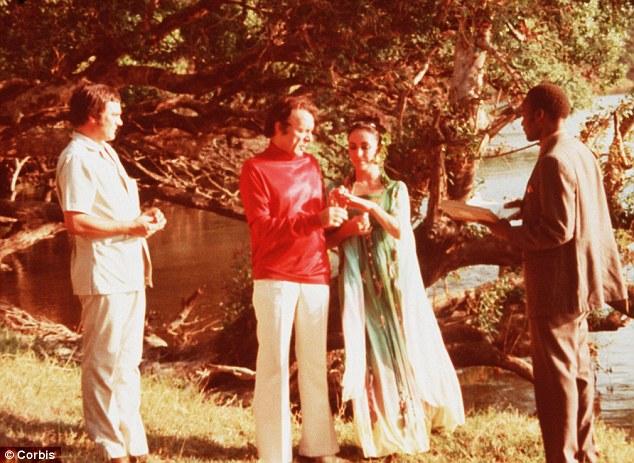 ET and Richard Burton 1975 Botswana.jpg