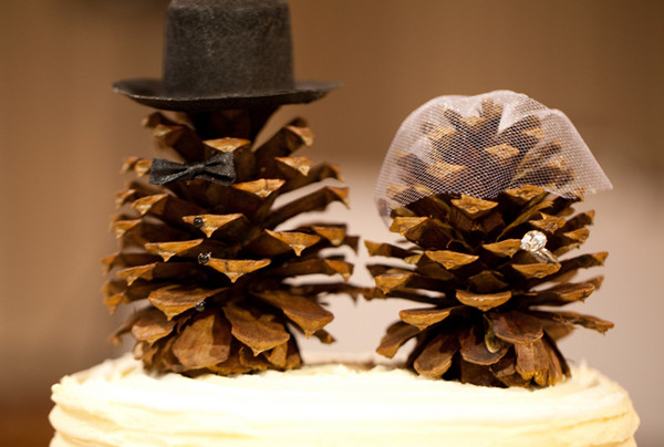 pine-cone-wedding-decor.jpg