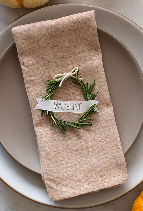Winter-Wedding-Style-Details-Spoon-Fork-Bacon.jpg