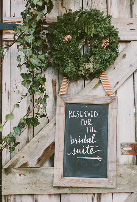 Winter-Wedding-Style-Details-Lauren-Fair-Photography.jpg