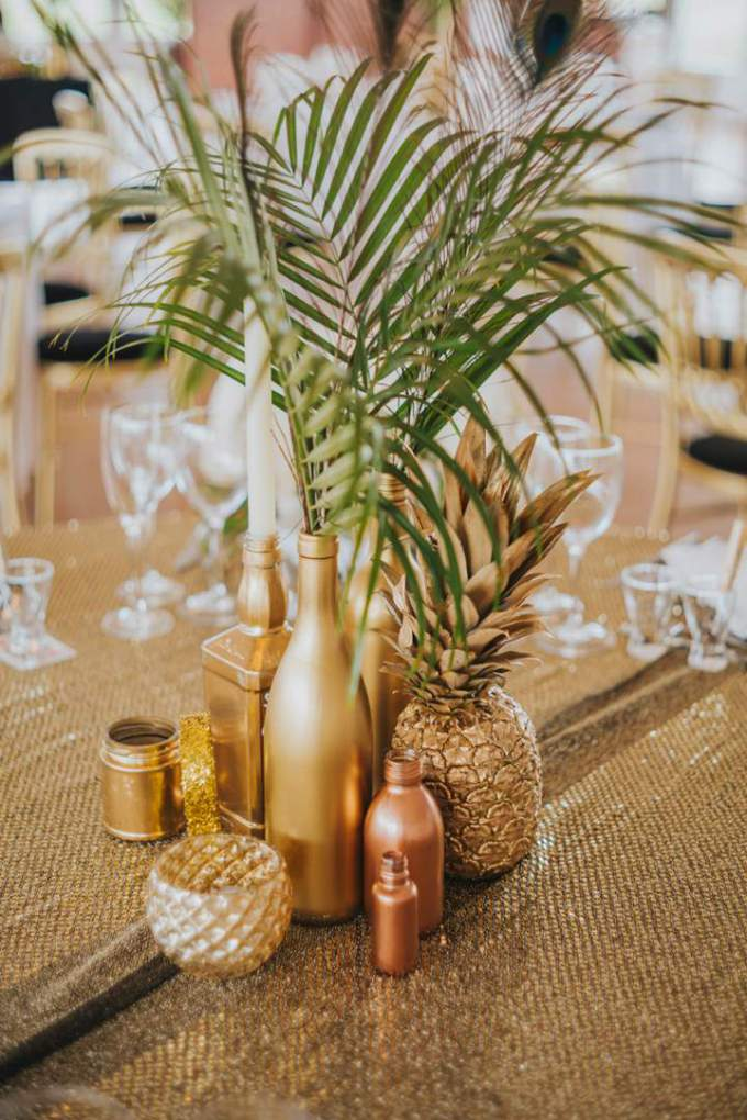 2-Gold-Glitter-and-Metallic-Wedding-by-Benjamin-Stuart.jpg