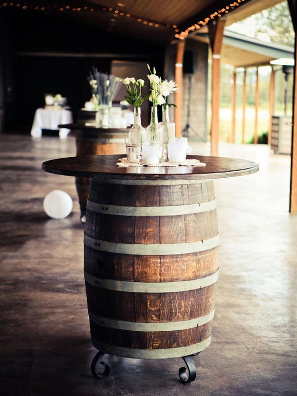 015-wine-barrel-wedding-decor-southboundbride.jpg