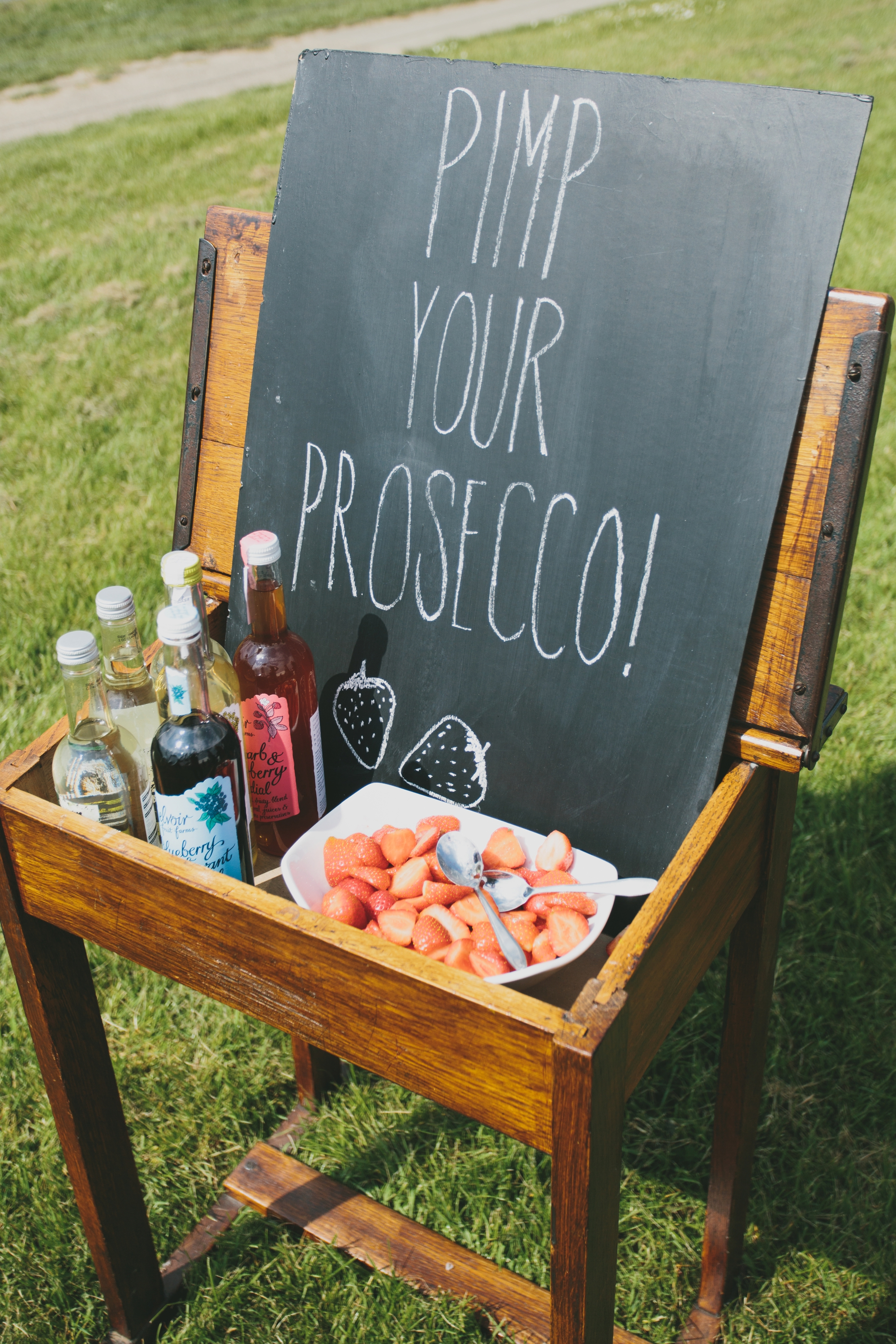 pimp your prosecco wedding chalkboard.jpg