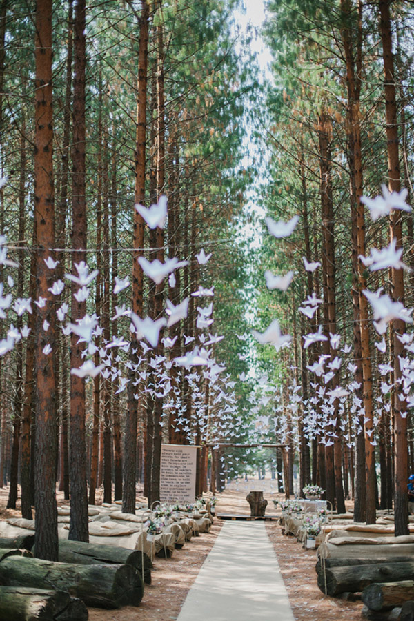 paper-cranes-decoration-ideas-for-forest-wedding.jpg