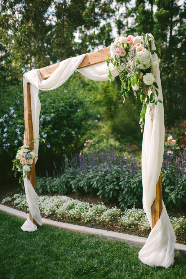 wedding-arch-ideas-for-outdoor-backyard-weddings.jpg