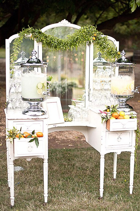 mirror-wedding-ideas-annie-mcelwain-photography.jpg