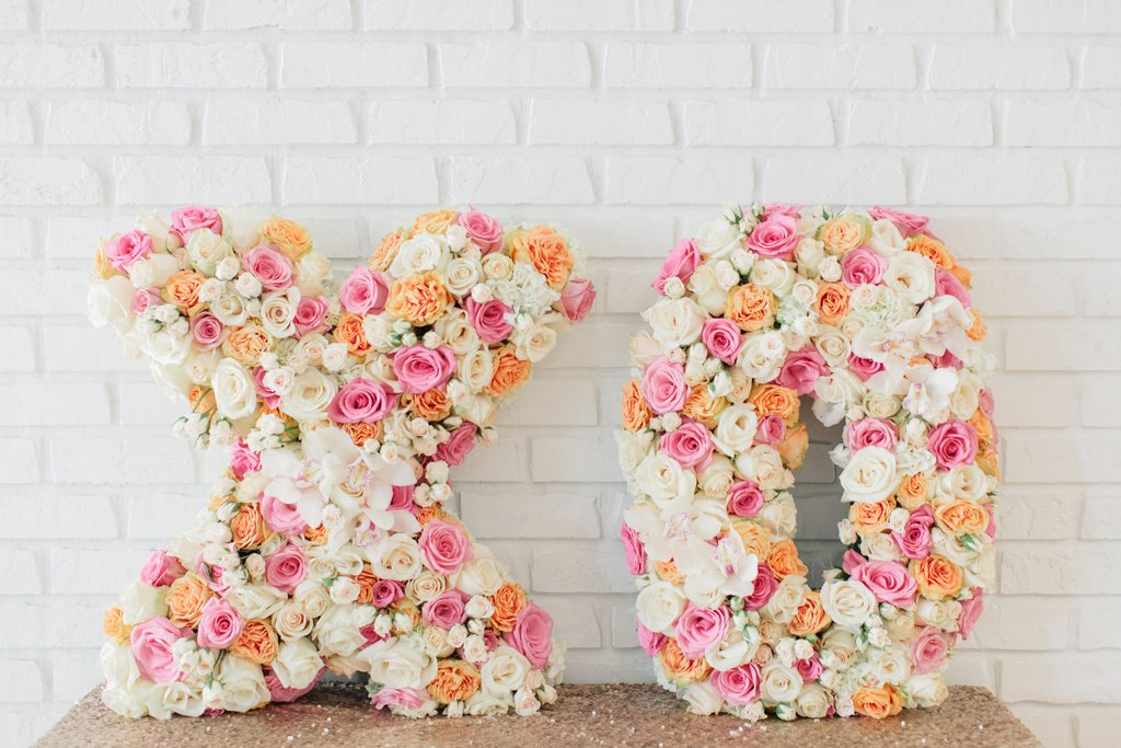 Ditch-traditional-arrangements-fun-floral-statement.jpg