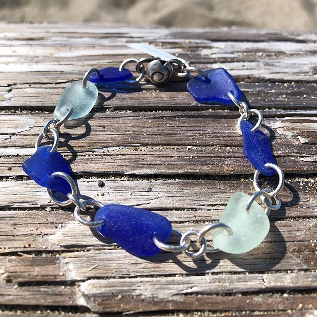 Seafoam and cobalt blue are 2 of the most popular sea glass colors. Here they are in one bracelet in sterling silver. Price is $85 plus shipping. DM or comment below to purchase. #seaglass #seaglassjewelry #seaglasslove #seaglasshunter