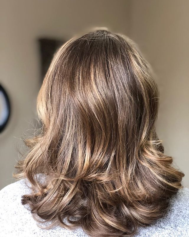 A little balayage for a sun kissed look.  @sciotto_jacqueline #balayage #lehighvalleystylist #hairstyles #handpainting #redkencolor #kerastaseusa #pureology